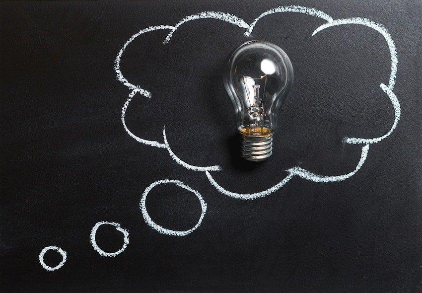 Phillips Hue vs LIFX Best Smart Lights-min